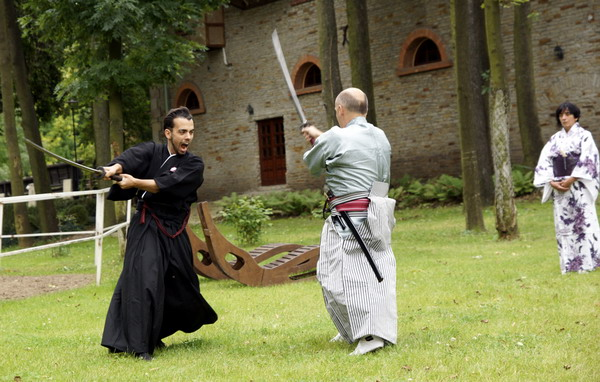 pokazy rycerskie szermierka samurajska warszawa
