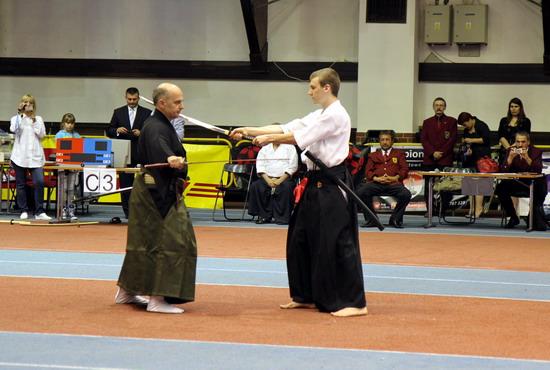 pokazy kenjutsu kumitachi toyama ryu
