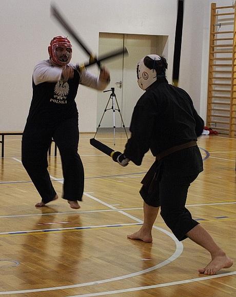 nito walka dwoma mieczami